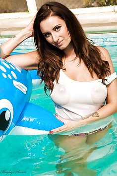 Sammy Braddy - Swimming Pool