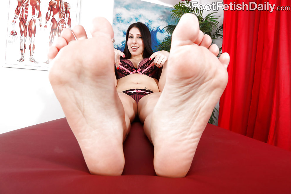 Esperanza Diaz Wraps Her Big Feet Around a Fat Cock - image ...