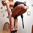 Skinny blonde - image
