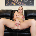 Tara Lynn Foxx - image