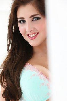 Emma Trott