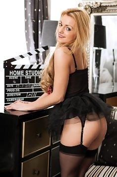Mia Thorne