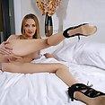 Belle Claire - image
